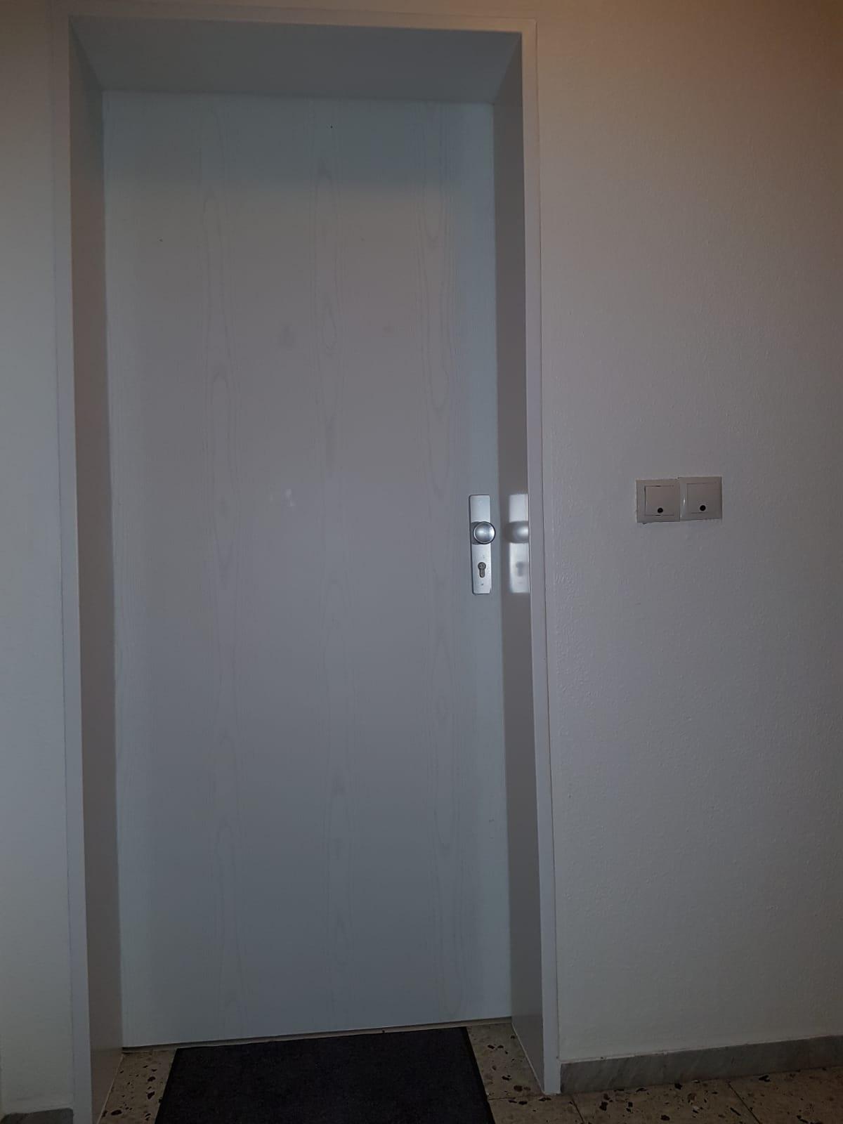 2-Zimmer Wohnung Haustür